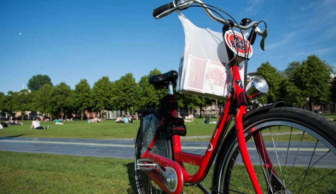 Visitare Amsterdam in bici, un'esperienza da non perdere
