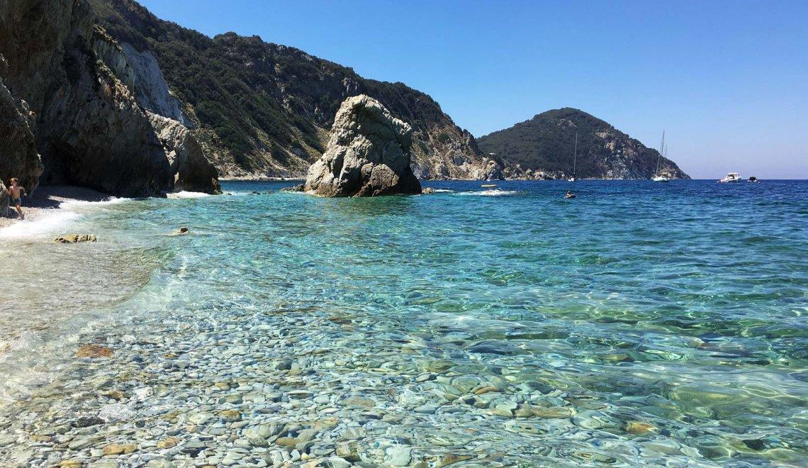 Isola d'Elba: tour in moto tra spiagge e panorami mozzafiato